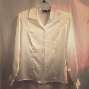 🍁🍂 Laura Scott Long Sleeved Vanilla White Blouse